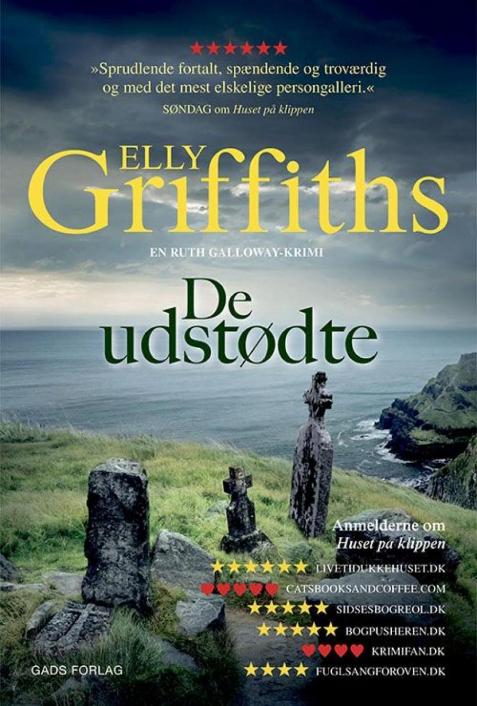 De udstødte af Elly Griffiths